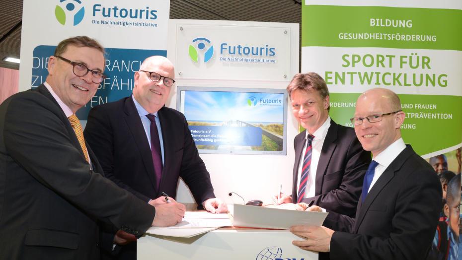 Unterzeichnung MoU: Tourismus und Entwicklungszusammenarbeit